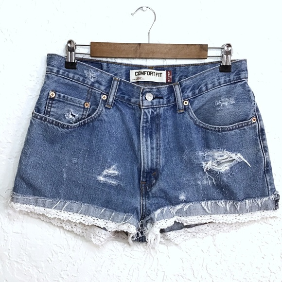 Levi's Pants - Levi's 506 comfort fit lace high waisted shorts 32